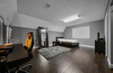 Elegant Remodeled 5 Bedroom