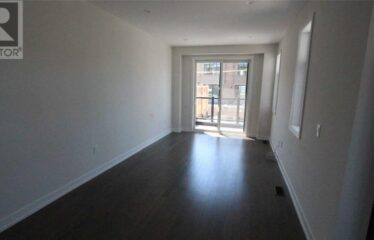 Bright Corner Unit with Easy Downtown Commute