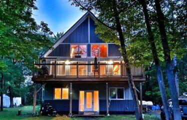 Stunning Custom Built Home In Constance Bay