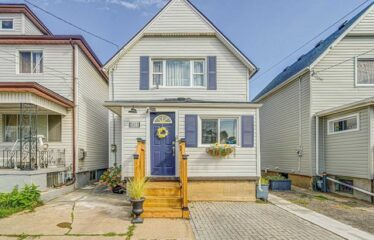 Great Investment Opportunity In The Tourist Area Near Clifton Hill And Casino Niagara!