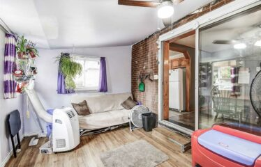 Fantastic Central Mountain Home With Income Potential