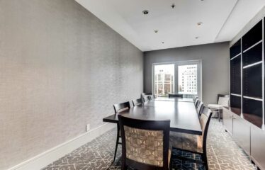 Upgraded Suite In High-Demand Yorkville