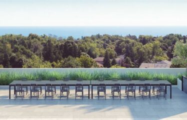 3 Bedroom, 2 storey Penthouse overlooking the Bluffs