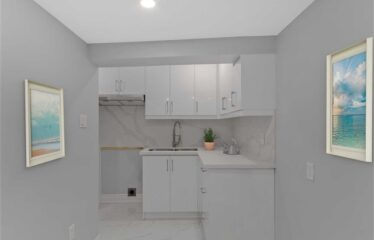 Beautifully Renovated Detached 6+2Br In The Highly Desirable Little Portugal Community