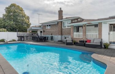 Fully Renovated 3 Bedrooms Detached Home Close To 401