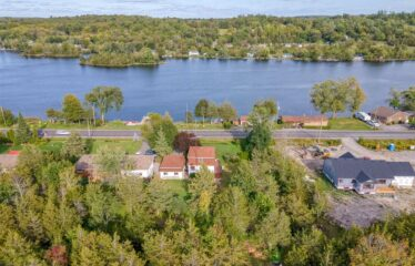 Stunning 3 Bedroom With Dock And Swim Access