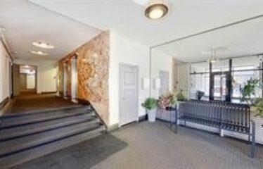 Beautiful Eglinton Condo For Rent!!