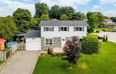 Beautiful And Well Maintained 2 Storey Home In Stayner