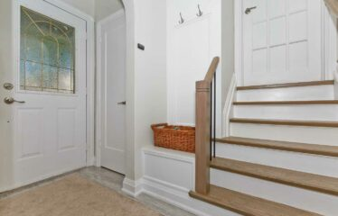 Beautiful Detached Home For Rent!