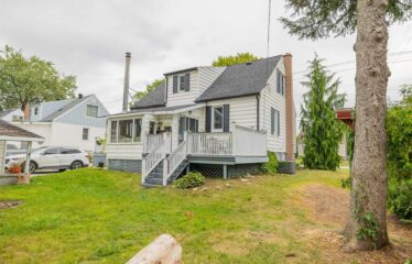 Investment or First Time Home! 6 Bdrm Detached Home in Sarnia