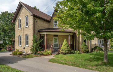 3 Bedroom 2 Bath Century Home In The Heart Of Lindsay