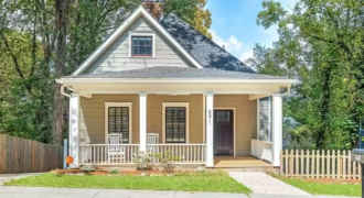 Beautifully Renovated 3BR/3BA Craftsman-Style Bungalow